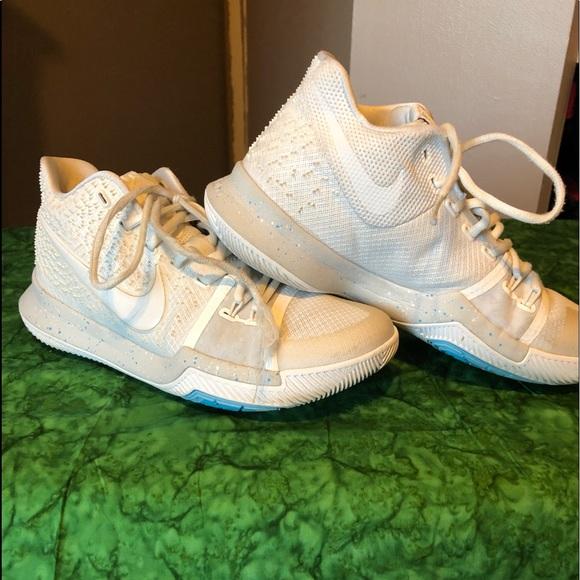 new style 31c66 2b5e7 Nike Kyrie Irving 3 White Blue Mens/Boys Size 8.5